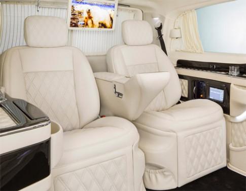 Cabin Mercedes độ siêu tiện nghi