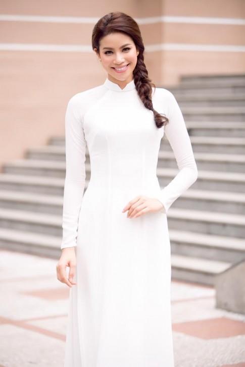 Cần gì hàng hiệu xa xỉ, Phạm Hương vẫn đẹp nao lòng khi diện áo dài trắng