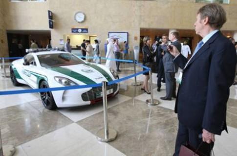 Cảnh sát Dubai sắm thêm siêu xe Aston Martin One-77