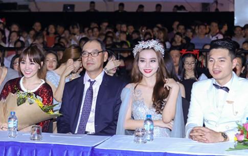 Chăm chỉ chạy show thế này, Hari Won chứng tỏ kết hôn cũng sẽ không dựa vào ai