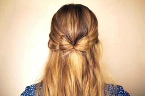 Chi tiết cách tết tóc cánh bướm và sóng biển đẹp mê hồn cho bạn gái