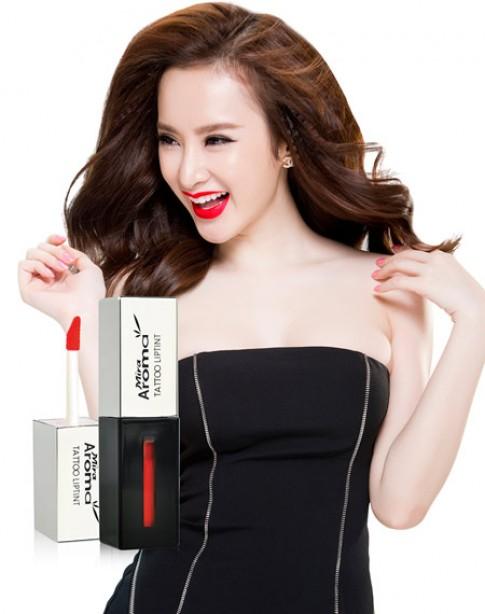 Chọn son môi sexy tông đỏ như Angela Phương Trinh.