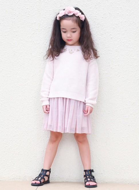 Chu Diệp Anh phong cách với thời trang MANGO Kids.