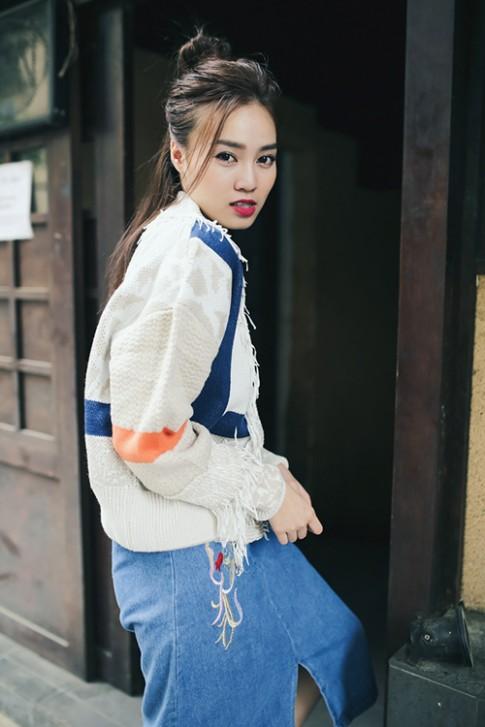 Con gái Sài Gòn hãy học cách mặc đồ thu đông như nàng Cám Lan Ngọc