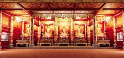 Dân văn phòng nô nức đi lễ chùa trên mạng ảo