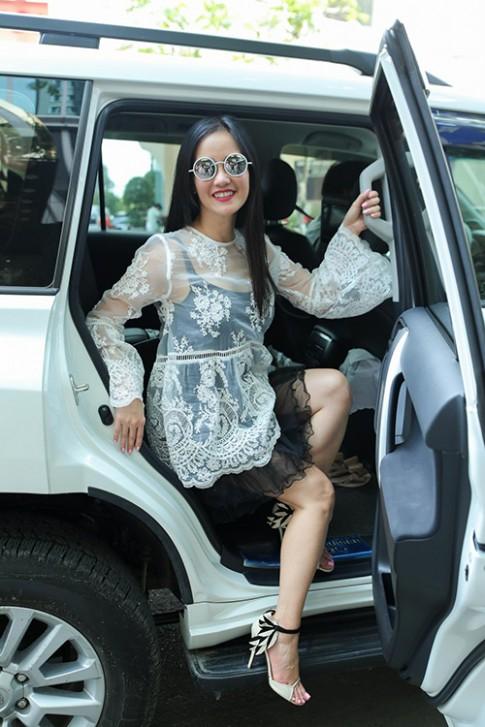 Diva Hồng Nhung, ca sĩ Lệ Quyên xúng xính hàng hiệu đi tập hát