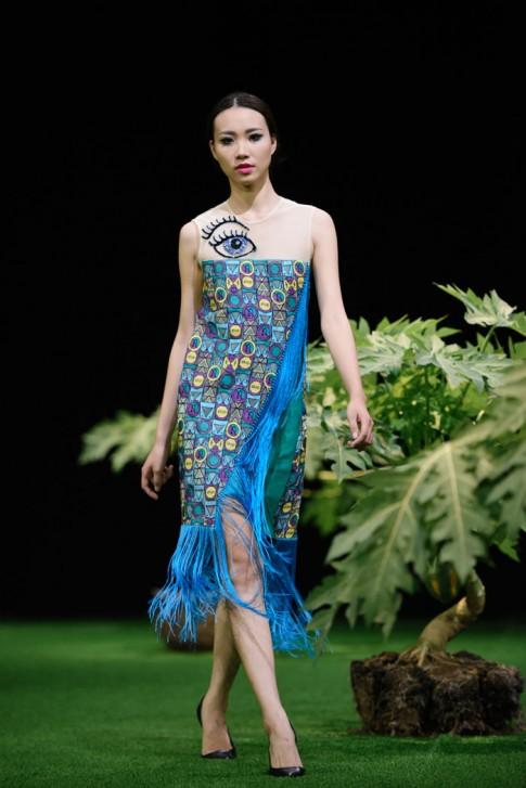 Giấc mơ tình yêu đầy màu sắc của NTK Hùng Việt