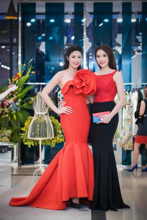 Hoa hậu Kỳ Duyên khoe lưng trần quyến rũ