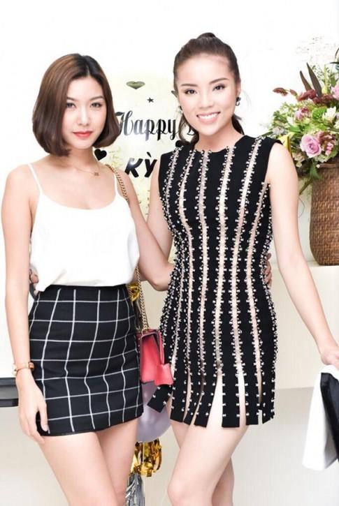 Hoa hậu Kỳ Duyên liên tiếp mặc táo bạo sau khi Nam tiến
