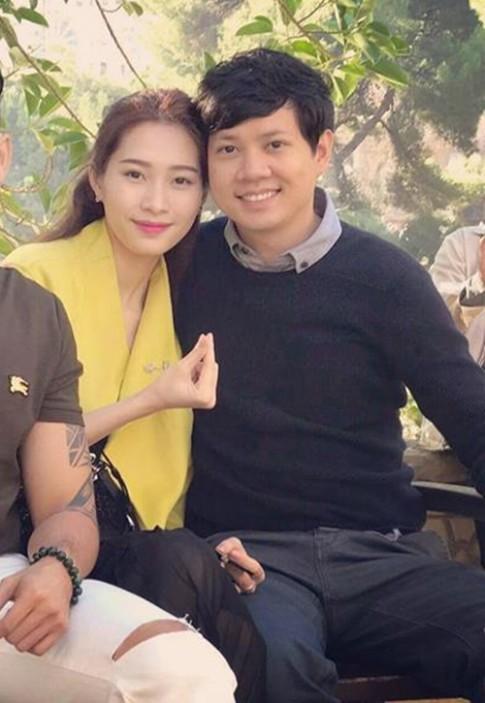 Hoa hậu Thu Thảo hạnh phúc đi du lịch châu Âu với bạn trai đại gia