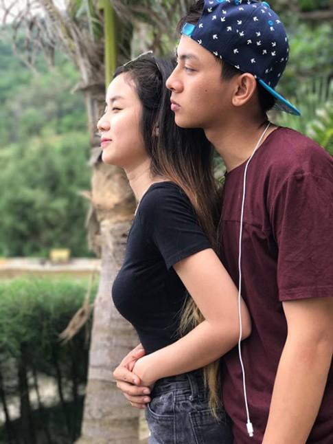 Hoài Lâm tâm sự xúc động về chuyện tình cùng bạn gái giấu kín suốt 5 năm