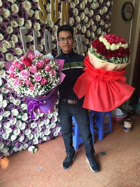 """Học trai """"đảm"""" cắm hoa tạo hộp quà trái tim"""