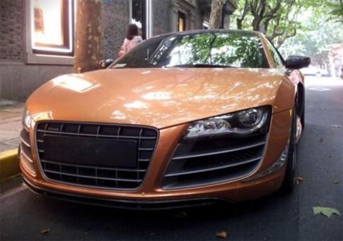 Hotgirl Trung Quốc lái siêu xe Audi R8 hàng hiếm