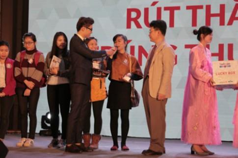 Khách hàng 2 miền nhận thưởng lớn tại Triển lãm thẩm mỹ đầu tiên ở Việt Nam.