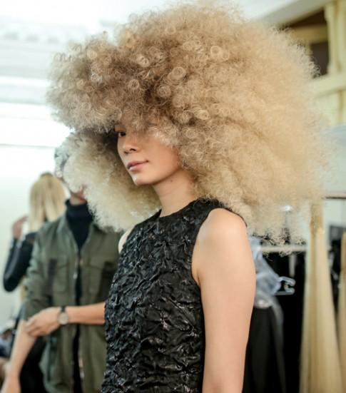 """Khán giả Việt trầm trồ trước các kiểu tóc của """"Diva tạo mẫu tóc"""" hàng đầu thế giới"""