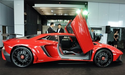 Lamborghini Aventador SuperVeloce giá 1,4 triệu USD tại Thái Lan
