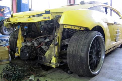 Lamborghini Gallardo tan nát