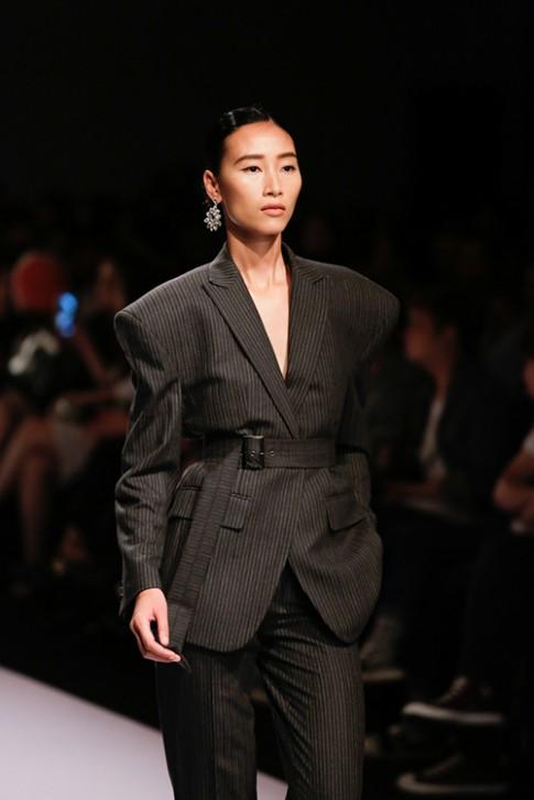 Lan Khuê, Trang Khiếu kẻ tung người hứng trên sàn diễn thời trang