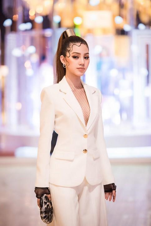 Lấn sân điện ảnh, Jolie Nguyễn muốn học kinh nghiệm diễn xuất của Midu