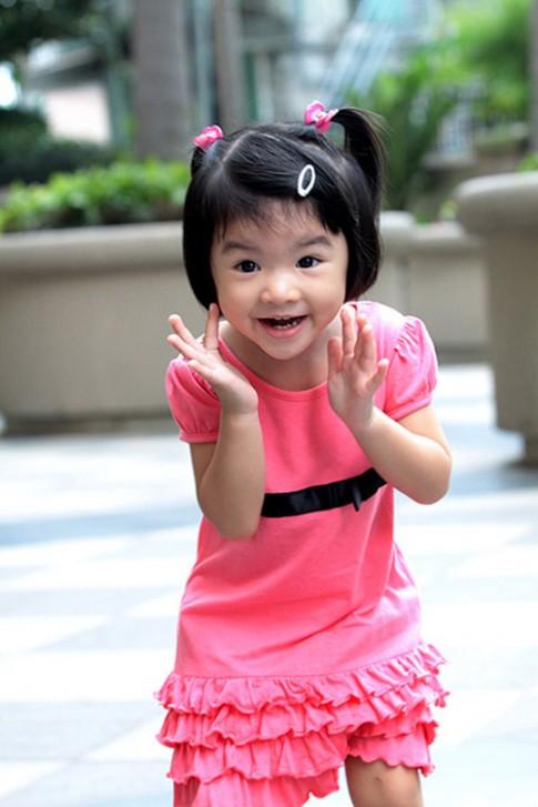 Lâu không xuất hiện, con gái Trương Ngọc Ánh gây bất ngờ vì ngày càng xinh đẹp