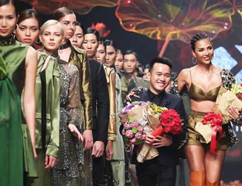 Lê Thanh Hòa đem nghệ thuật Pháp lam vào show mới