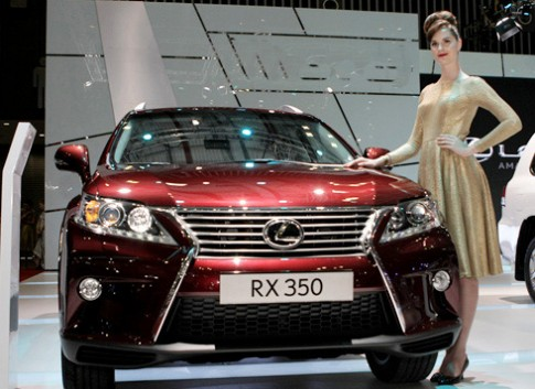 Lexus RX350 chính hãng có giá 2,9 tỷ đồng tại Việt Nam