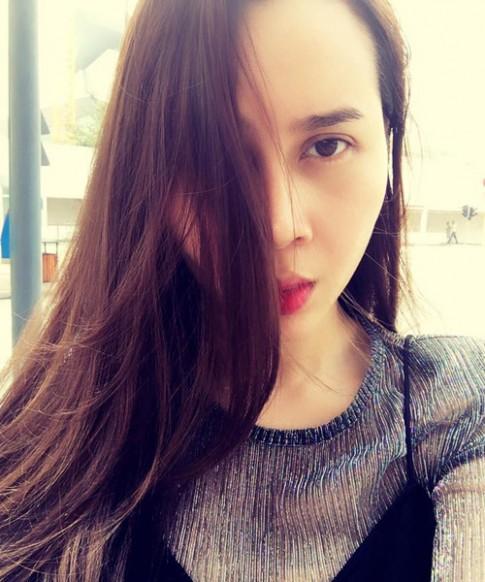 Lưu Hương Giang xinh đẹp, tự tin thừa nhận việc can thiệp thẩm mỹ trên mặt