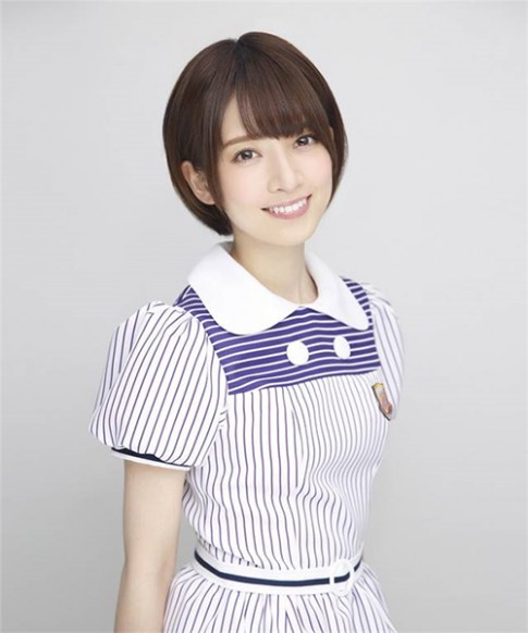 Lý do gì khiến đàn ông Nhật Bản xếp hàng dài 4km chỉ để bắt tay cô gái 9x này?