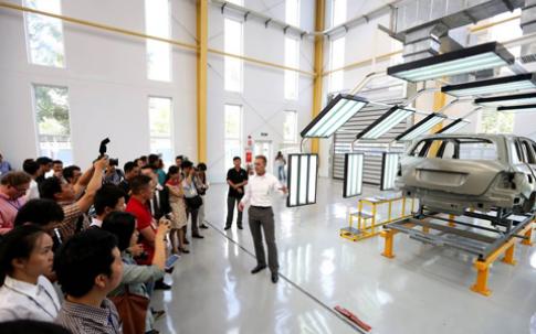 Mercedes-Benz sẽ đầu tư 10 triệu USD vào VN năm 2014