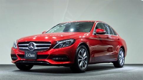 Mercedes C-class mới giá từ 41.400 USD tại Nhật