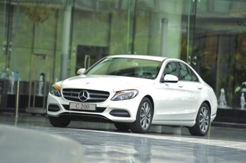 Mercedes C-class thế hệ mới giá từ 1,4 tỷ tại Việt Nam