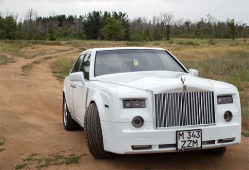 Mercedes lột xác thành Rolls-Royce Phantom