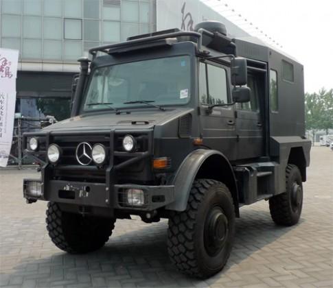 Mercedes Unimog U5000 - hầm hố và tiện nghi