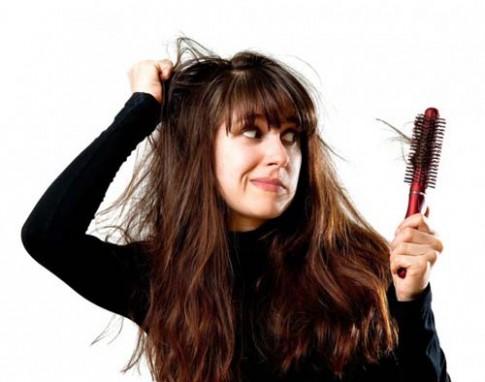 Nếu bạn cứ liên tục làm 5 điều này mỗi ngày, mái tóc chắc chắn sẽ bị hư tổn nặng