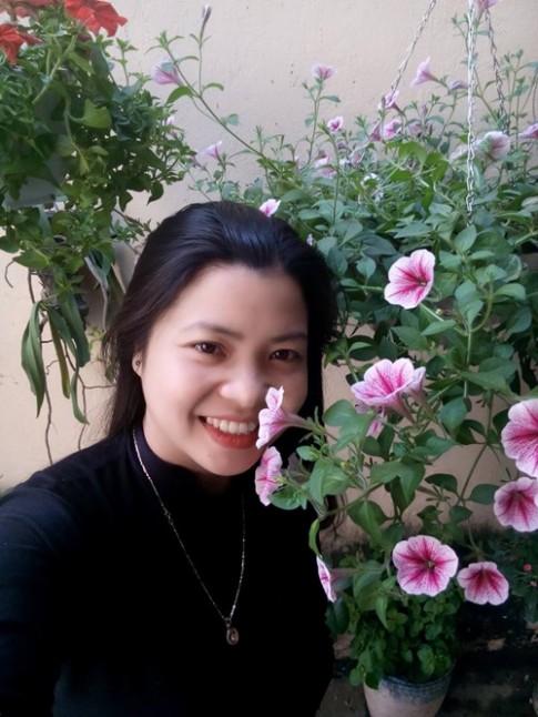 Ngách thiên đường ngợp sắc hoa của cặp đôi Hà thành