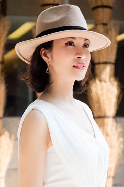 """Những khoảnh khắc trẻ trung """"quên tuổi"""" của MC Thanh Mai."""