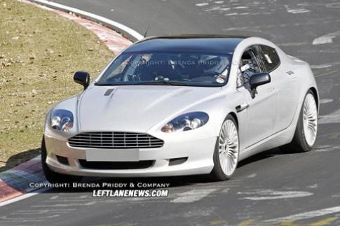 'Nu hoang' Aston Martin Rapide tren duong thu