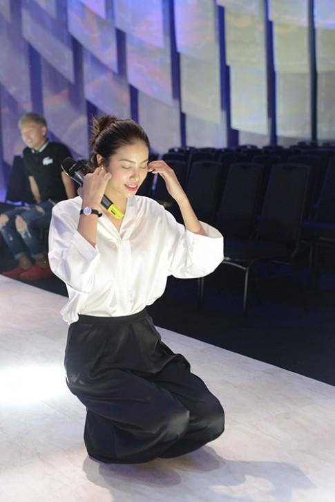 Phạm Hương sẽ có một tiết mục đặc biệt tại Elle show