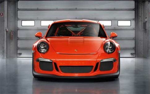 Porsche đưa 5 mẫu xe tham dự triển lãm ở Hà Nội