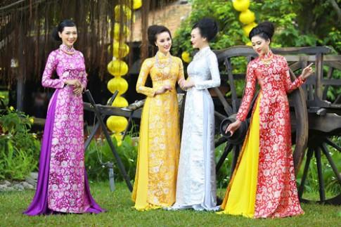 Quốc phục của 10 nước đón Tết