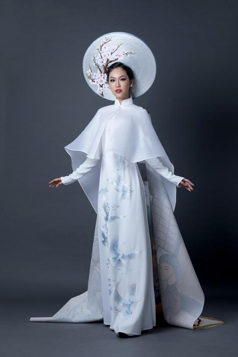 Quốc phục tuyệt đẹp của Phương Linh tại Hoa hậu Quốc tế