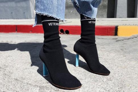Sắm ngay một đôi boot tất đi chị em ơi, chúng hot thế này cơ mà!
