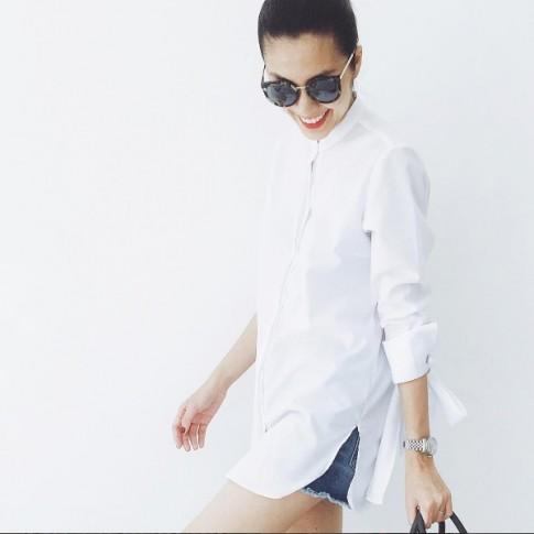 Sao Việt đẹp ăn gian tuổi với chiếc áo không bao giờ lỗi mốt thời trang