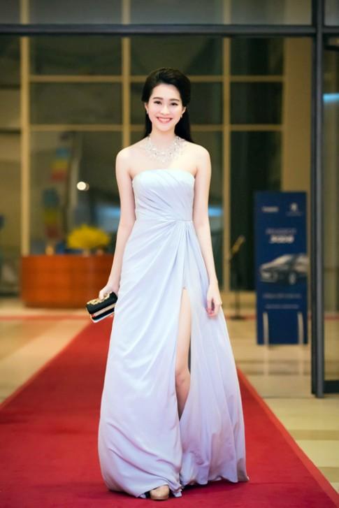 Sao Việt đẹp - xấu với váy xẻ cao