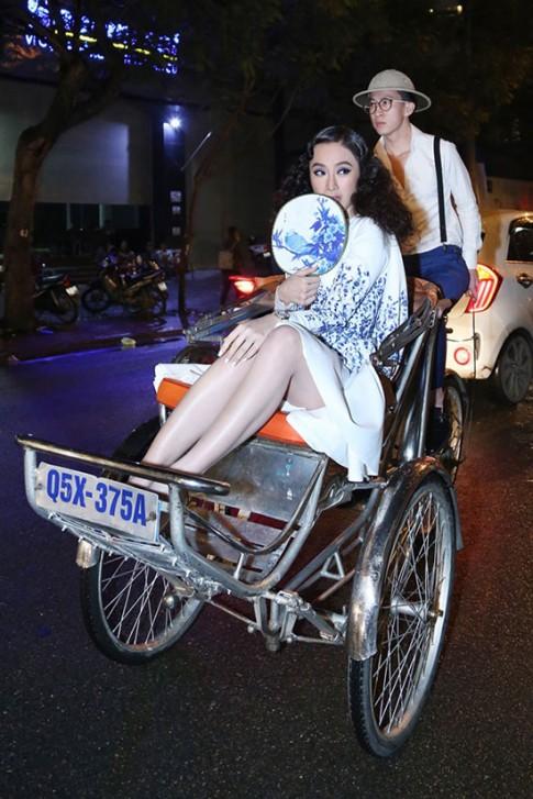 Sao Việt hiếm ai vượt mặt được Angela Phương Trinh về các chiêu trò trên thảm đỏ