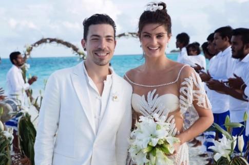 Siêu mẫu Brazil gây sốc khi mặc bikini trong đám cưới