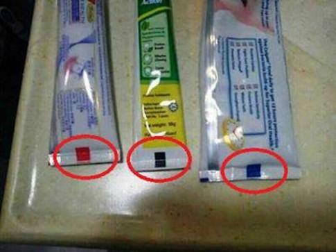 Tác dụng ít người biết của mã màu trên tuýp kem đánh răng