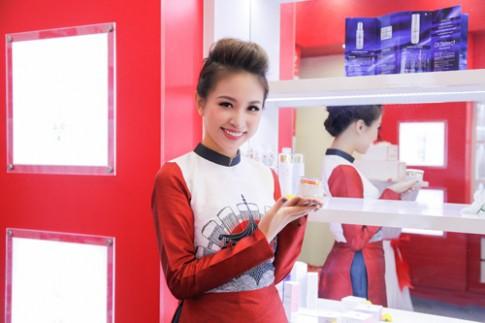 Thanh Vân Hugo gắn bó với mỹ phẩm nội địa Nhật Bản.