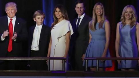 Thời trang nhậm chức của vợ chồng TT Donald Trump hút sự tò mò