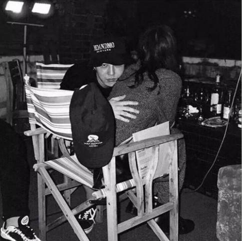 Tiết lộ nhan sắc hơn người của cô gái bị nghi hẹn hò với G-Dragon